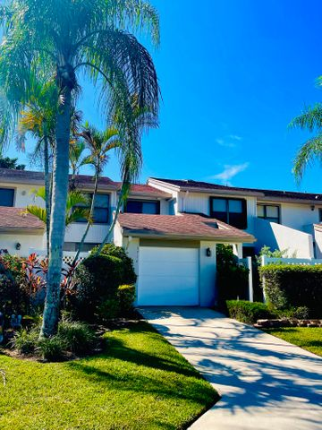 6714 Canary Palm Circle, Boca Raton, FL 33433