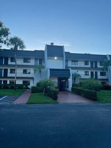 4284 Deste Court, 204, Lake Worth, FL 33467
