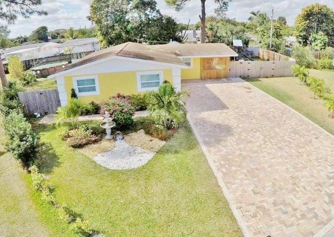 859 Caroline Circle, West Palm Beach, FL 33413