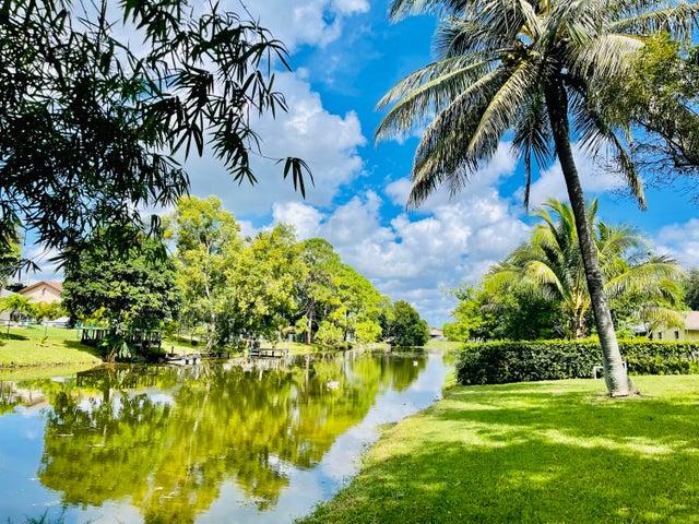 126 Martin Circle, Royal Palm Beach, FL 33411