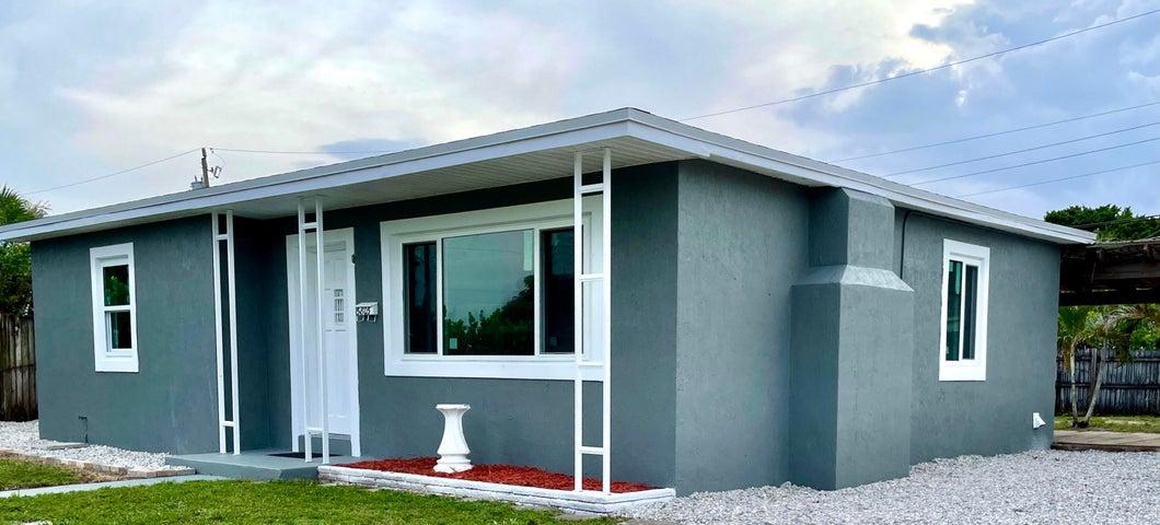 5805 Churchill Court, West Palm Beach, FL 33405