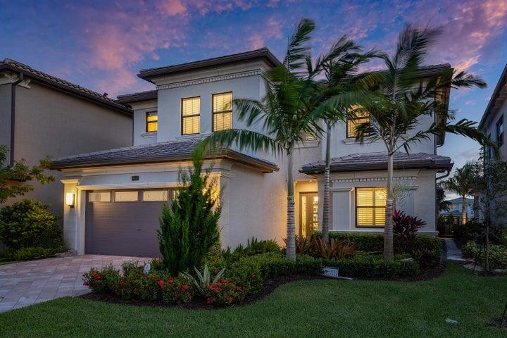 9040 Chauvet Way, Boca Raton, FL 33496