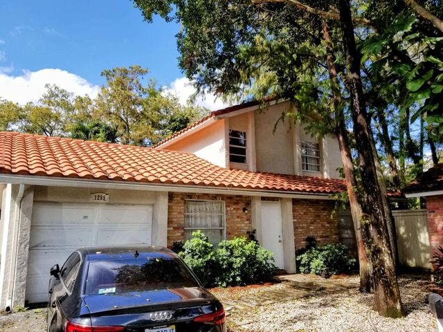 1285 NW 89th Drive, Coral Springs, FL 33071