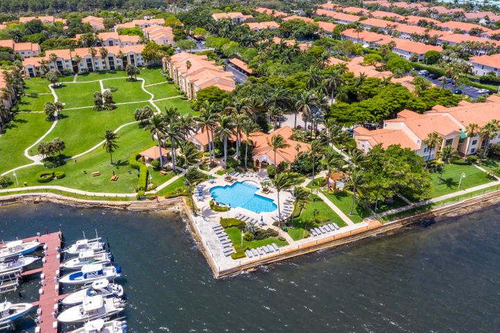 145 Yacht Club Way, 307, Hypoluxo, FL 33462