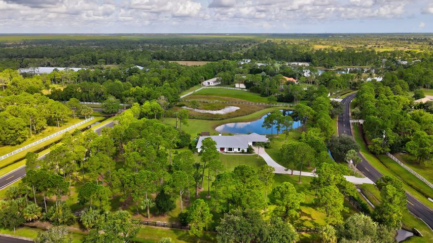 2404 SE Ranch Acres Circle, Jupiter, FL 33478