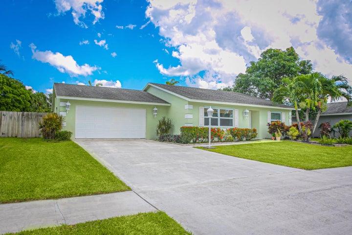 131 Martin Circle, Royal Palm Beach, FL 33411