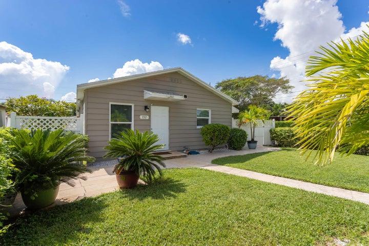 732 Mcintosh Street, West Palm Beach, FL 33405