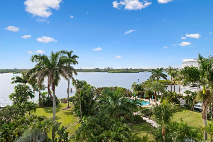 Views of Intracoastal Waterway from every room!