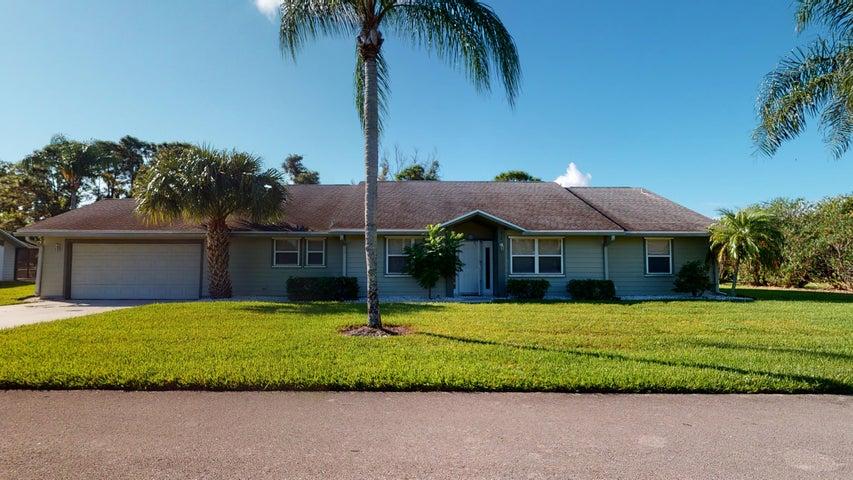 814 NE Dahoon Terrace, Jensen Beach, FL 34957