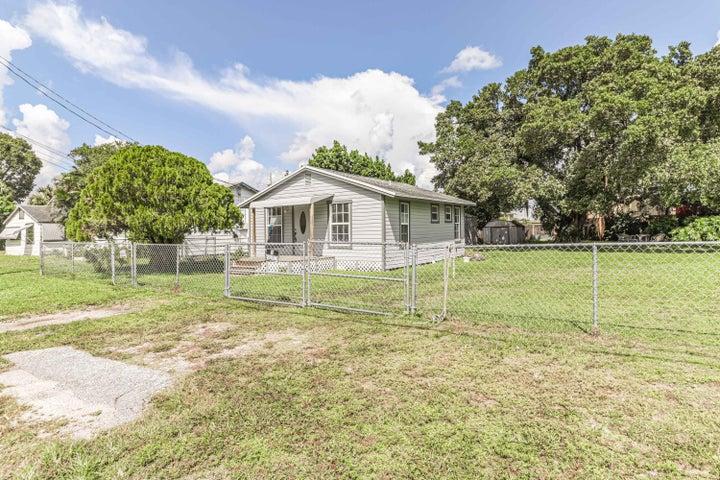 4601 Sunset Lane, West Palm Beach, FL 33415