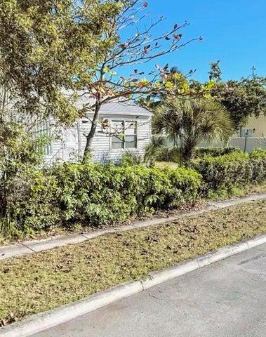 6514 Garden Avenue, West Palm Beach, FL 33405