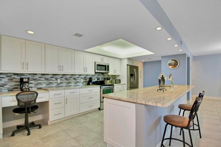 500 Egret Circle, 8310, Delray Beach, FL 33444