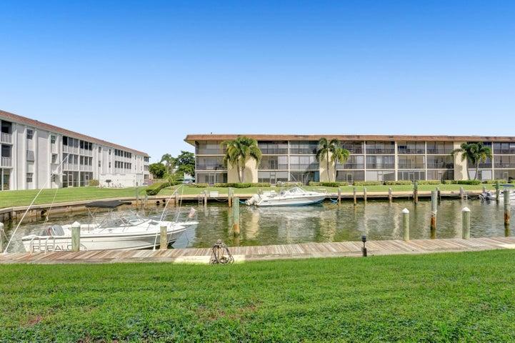 131 Doolen Court, 107, North Palm Beach, FL 33408