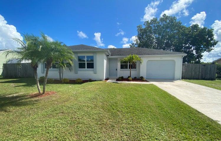 2013 SE West Dunbrooke Circle, Port Saint Lucie, FL 34952