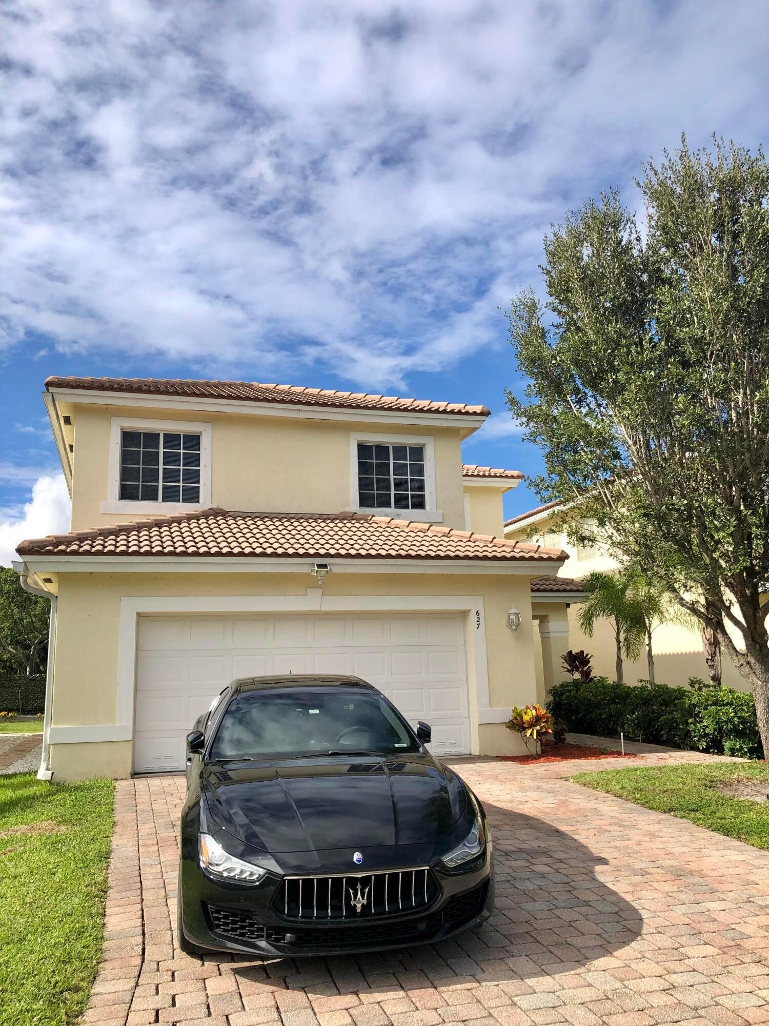 627 Perdido Heights Drive, West Palm Beach, FL 33413