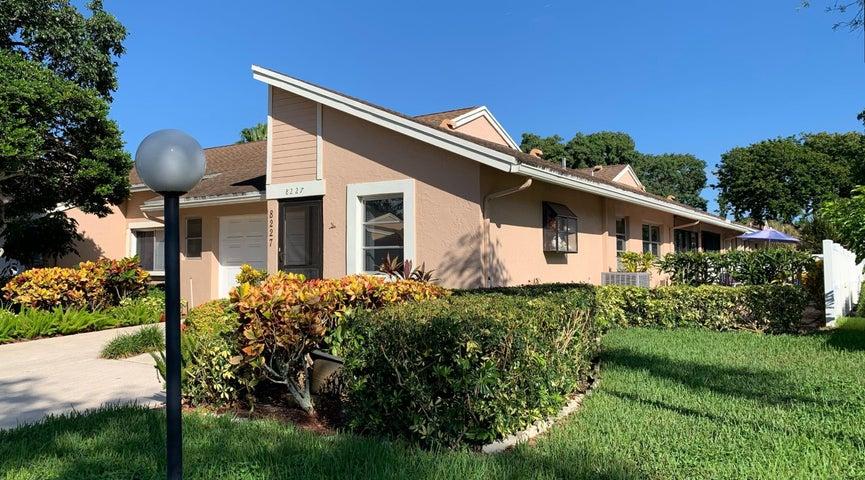 8227 Summerbreeze Lane, Boca Raton, FL 33496