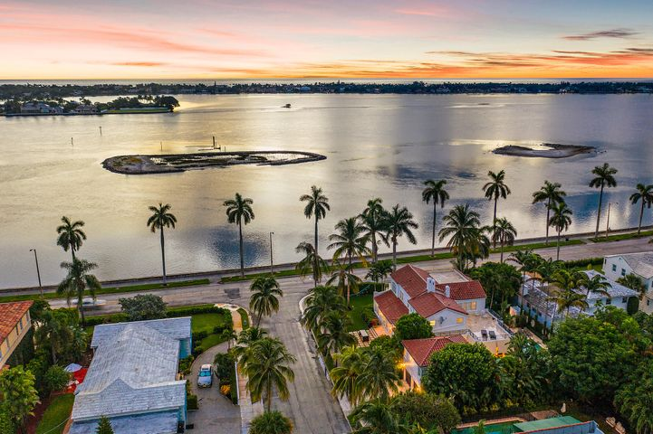 2737 S Flagler Drive, West Palm Beach, FL 33405