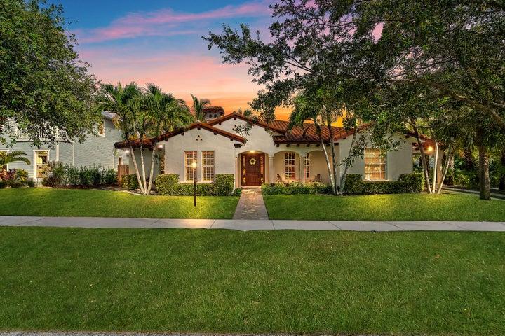 9243 SE Adonis Street, Hobe Sound, FL 33455