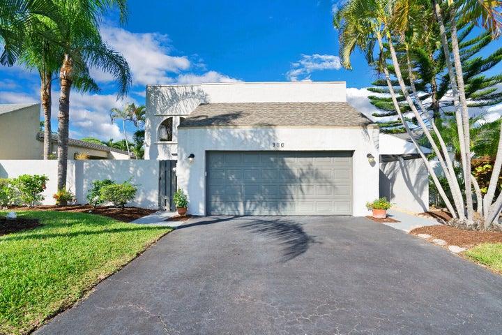 930 NW 22nd Avenue, Delray Beach, FL 33445