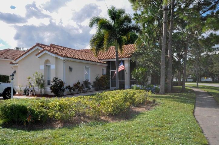 170 Woodlake Circle, Greenacres, FL 33463