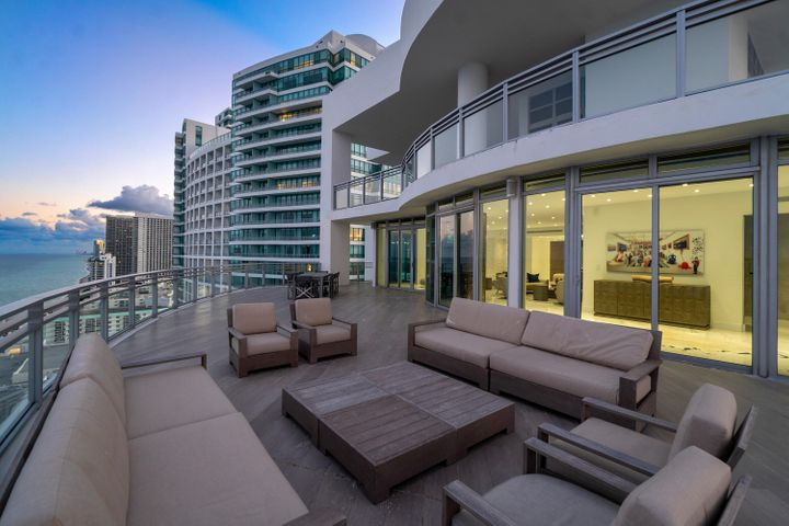 3535 S Ocean Drive, Ph2804, Hollywood, FL 33019