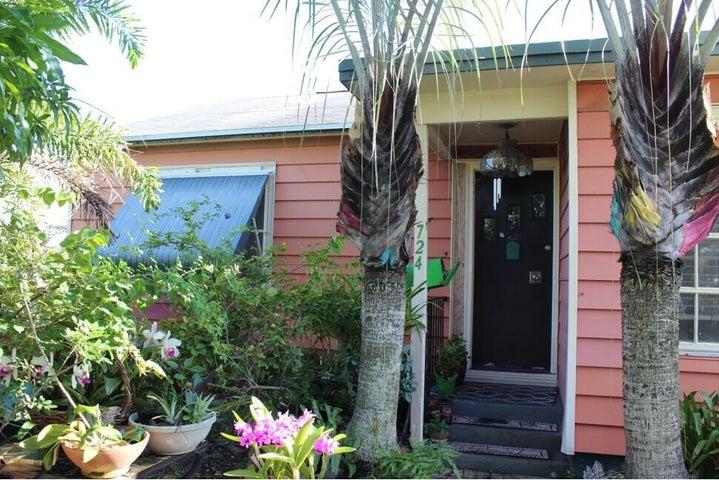 724 Summit Boulevard, West Palm Beach, FL 33405