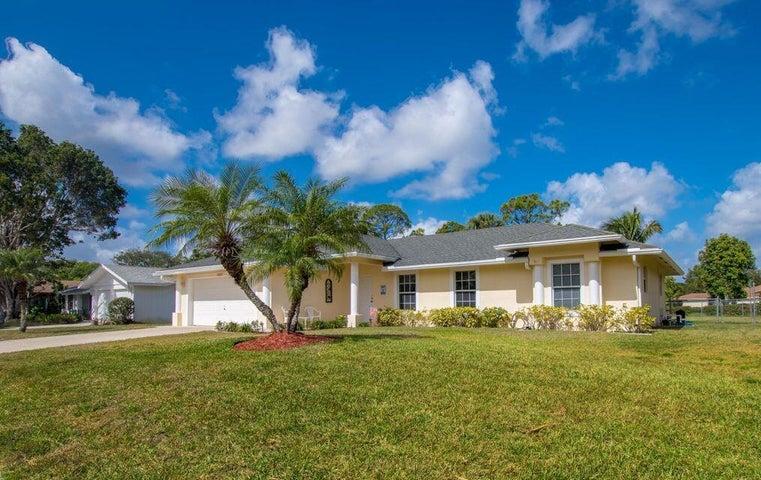 399 La Mancha Avenue, Royal Palm Beach, FL 33411
