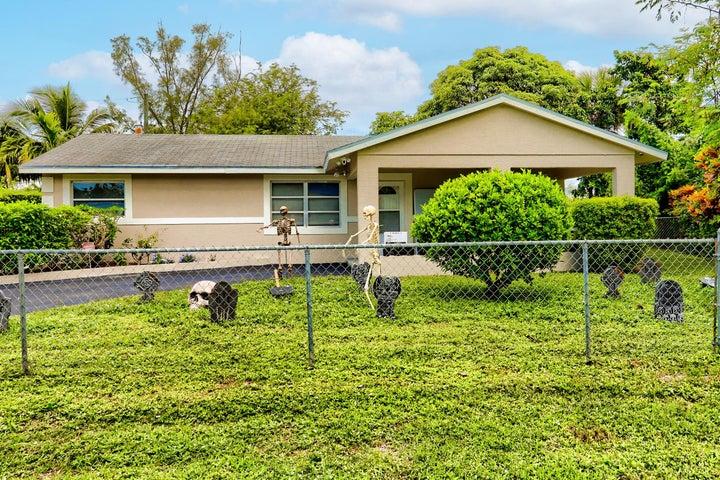636 Snead Circle, West Palm Beach, FL 33413