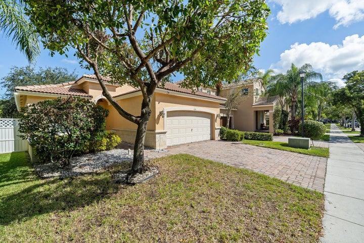 1211 W Magnolia Circle, Delray Beach, FL 33445