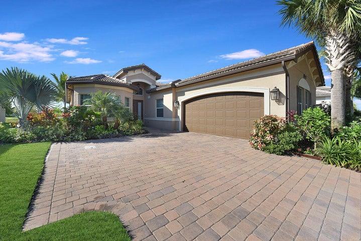8282 Arabian Range Road, Boynton Beach, FL 33473