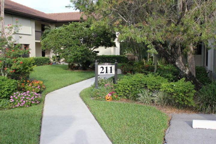 211 SW South River Drive, 205, Stuart, FL 34997