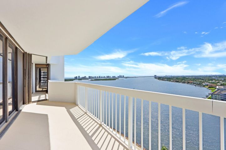 115 Lakeshore Drive, 1748, North Palm Beach, FL 33408
