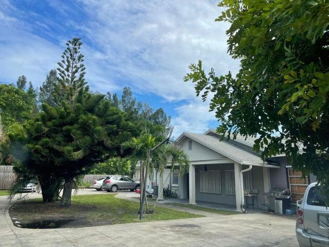 1902 Kirk Road, Palm Springs, FL 33406
