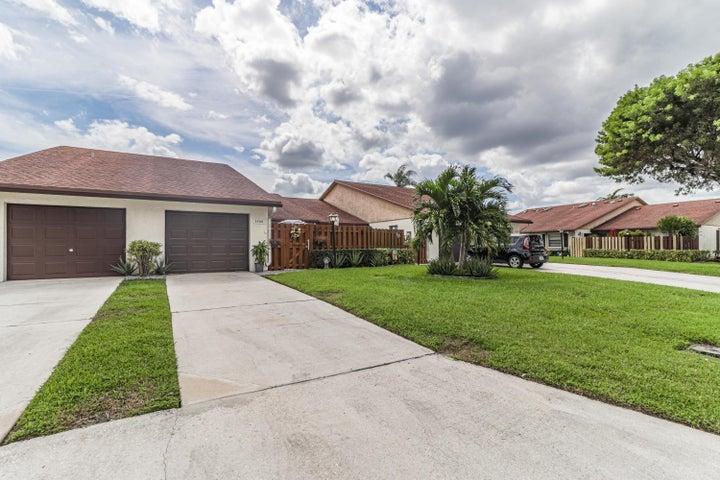 3766 Lace Vine Lane, Boynton Beach, FL 33436
