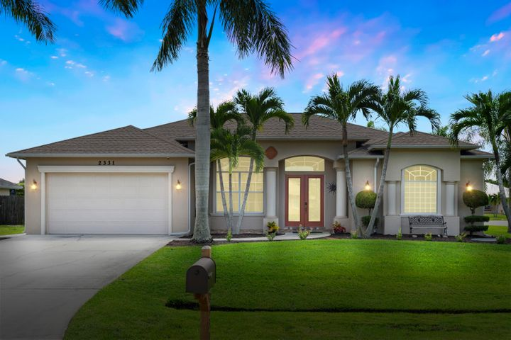 2331 SE Heathwood Circle, Port Saint Lucie, FL 34952