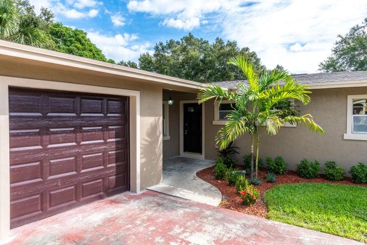 806 Emil Avenue, Fort Pierce, FL 34982