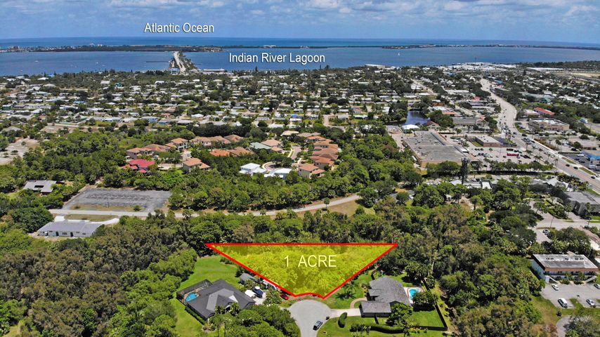 Beautiful 1 acre on a cul-d-sac just minutes away from Treasure Coast Beaches
