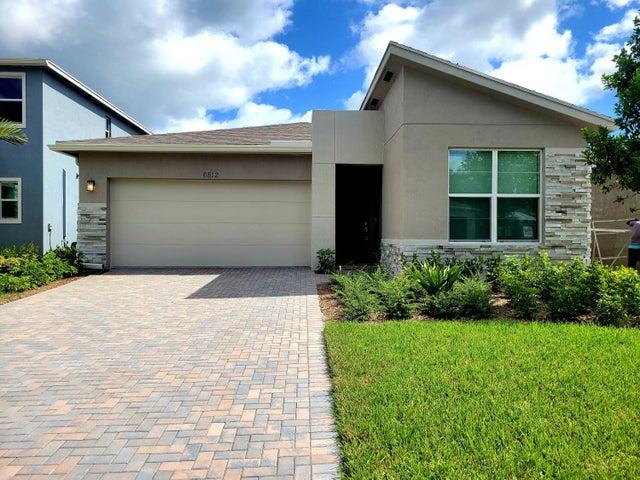 6812 Pointe Of Woods Drive, West Palm Beach, FL 33413