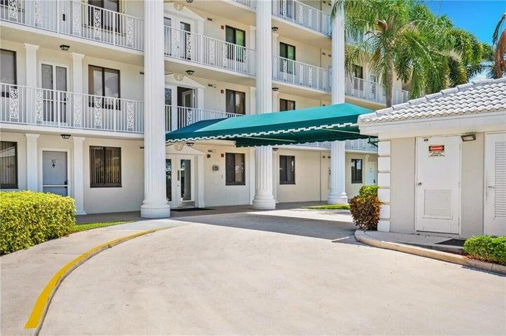 6193 Balboa Circle, 203, Boca Raton, FL 33433