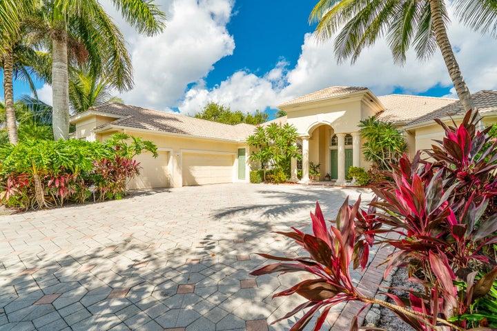 8833 Marlamoor Lane, Palm Beach Gardens, FL 33412