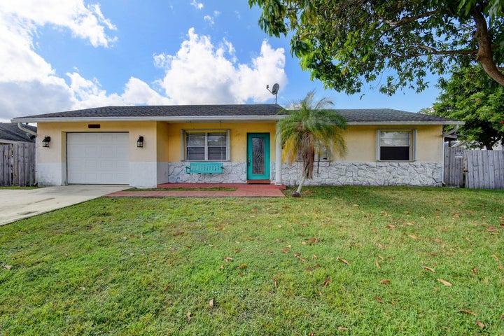 124 Cordoba Circle, Royal Palm Beach, FL 33411