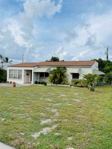 823 El Prado, West Palm Beach, FL 33405