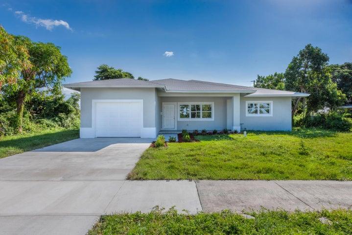 304 E Lake Road, Palm Springs, FL 33461