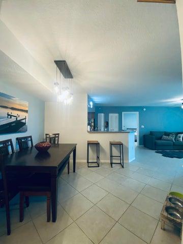214 Villa Circle Circle, Boynton Beach, FL 33435