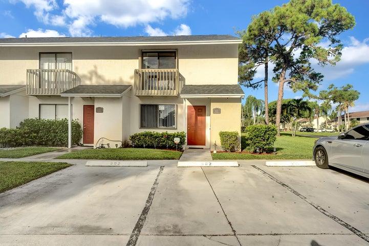601 Riverside Drive, Greenacres, FL 33463