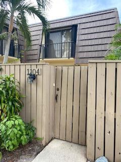 1104 11th Court, Palm Beach Gardens, FL 33410