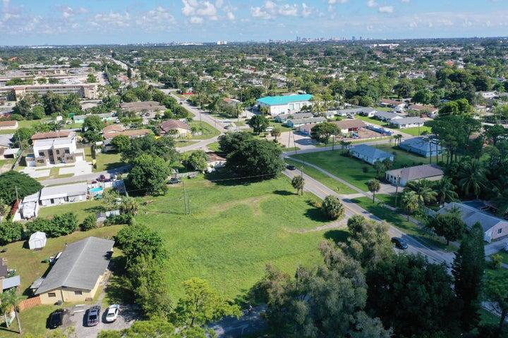 2637 Kirk Road, Palm Springs, FL 33406