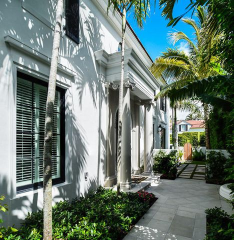 A photo of 215 Seabreeze Ave.