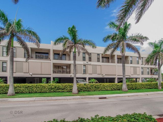 445 SE 21st Avenue 203, Deerfield Beach, FL 33441