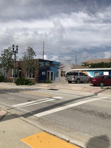 2417 Spruce Avenue, West Palm Beach, FL 33407